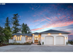 Photo of 1415 SKYLAND DR, Lake Oswego, OR 97034 (MLS # 19009654)