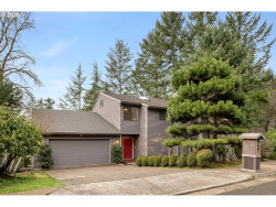 Photo of 2931 VALE CT, Lake Oswego, OR 97034 (MLS # 19038320)