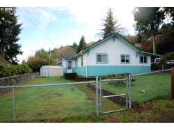 Photo of 990 YORK ST, Reedsport, OR 97467 (MLS # 19048569)