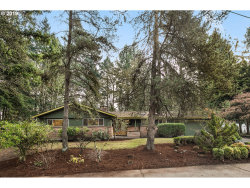 Photo of 624 SW BURLINGAME TER, Portland, OR 97239 (MLS # 19068794)