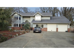 Photo of 113 WALNUT DR, Rogue River, OR 97537 (MLS # 19077866)