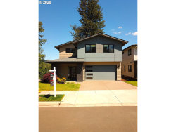 Photo of 10600 SE DEER FERN ST, Happy Valley, OR 97086 (MLS # 19086723)