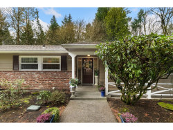 Photo of 10121 SW TERWILLIGER PL, Portland, OR 97219 (MLS # 19091808)