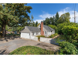 Photo of 2001 COUNTRY CLUB RD, Lake Oswego, OR 97034 (MLS # 19135289)