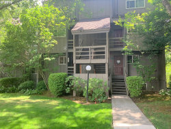 Photo of 4 TOUCHSTONE , Unit 94, Lake Oswego, OR 97035 (MLS # 19145145)