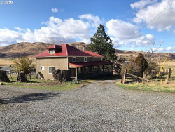 Photo of 64014 HIGH VALLEY RD, Cove, OR 97824 (MLS # 19158633)