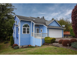 Photo of 1841 7th ST, Astoria, OR 97103 (MLS # 19182063)