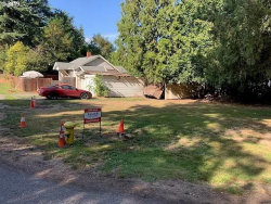 Photo of 13118 SE 21ST AVE, Milwaukie, OR 97222 (MLS # 19192055)