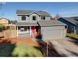 Photo of 425 SE 11TH CIR, Troutdale, OR 97060 (MLS # 19198523)