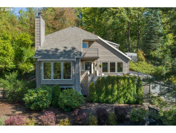 Photo of 925 SW POWERS CT, Portland, OR 97219 (MLS # 19201285)