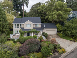 Photo of 1340 10TH ST, West Linn, OR 97068 (MLS # 19205634)
