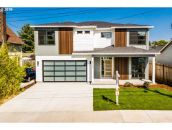 Photo of 9036 N Mckenna AVE, Portland, OR 97035 (MLS # 19221827)