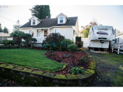Photo of 3024 SE MALCOLM ST, Milwaukie, OR 97222 (MLS # 19222264)