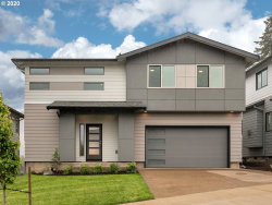 Photo of 16988 SE HUCKLEBERRY ST, Happy Valley, OR 97015 (MLS # 19232755)