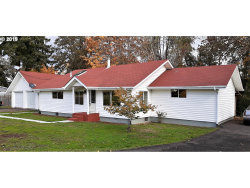 Photo of 1410 S RIVER RD, Cottage Grove, OR 97424 (MLS # 19247032)