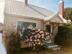 Photo of 1438 SHERMAN, North Bend, OR 97459 (MLS # 19249609)