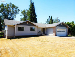 Photo of 1684 DEL RIO RD, Roseburg, OR 97471 (MLS # 19279752)