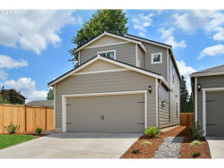 Photo of 1009 South View DR, Molalla, OR 97038 (MLS # 19280181)
