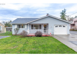 Photo of 3303 SE VINEYARD RD, Milwaukie, OR 97267 (MLS # 19286273)