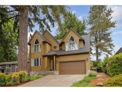 Photo of 2777 WARWICK ST, West Linn, OR 97068 (MLS # 19307002)
