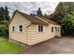 Photo of 7236 SW CAPITOL HILL RD, Portland, OR 97219 (MLS # 19336415)