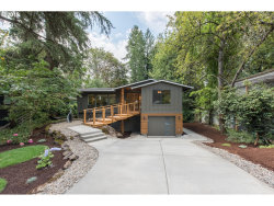 Photo of 870 LAKE FOREST DR, Lake Oswego, OR 97034 (MLS # 19350703)
