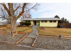 Photo of 12 JEFFERSON ST, Umatilla, OR 97882 (MLS # 19370206)