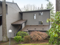 Photo of 8937 SW FAIRVIEW PL, Tigard, OR 97223 (MLS # 19373380)