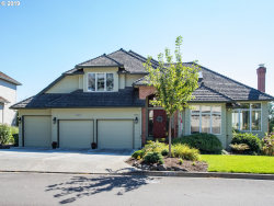 Photo of 13561 STREAMSIDE DR, Lake Oswego, OR 97035 (MLS # 19389121)