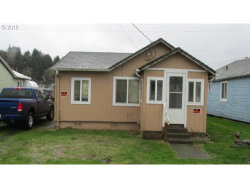 Photo of 782 LAUREL AVE, Reedsport, OR 97467 (MLS # 19399610)