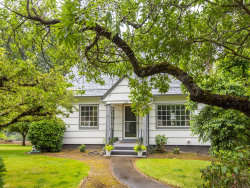 Photo of 2248 SW TAYLORS FERRY RD, Portland, OR 97219 (MLS # 19405531)