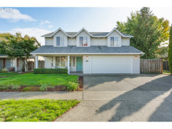 Photo of 200 E EDGEWOOD DR, Newberg, OR 97132 (MLS # 19424028)