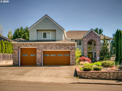 Photo of 14670 SW PEAK CT, Tigard, OR 97224 (MLS # 19438588)