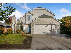 Photo of 4317 SE MASON HILL DR, Milwaukie, OR 97222 (MLS # 19448563)