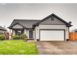 Photo of 770 MEADOWLAWN PL, Molalla, OR 97038 (MLS # 19458083)