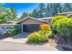 Photo of 34 WHEATHERSTONE, Lake Oswego, OR 97035 (MLS # 19496519)