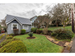 Photo of 846 S 11TH ST, Coos Bay, OR 97420 (MLS # 19520296)