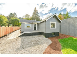 Photo of 19600 VIEW DR, West Linn, OR 97068 (MLS # 19529192)