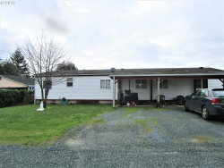 Photo of 1510 WILLOW ST, Myrtle Point, OR 97458 (MLS # 19537351)