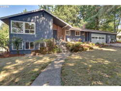 Photo of 10450 SW 53RD AVE, Portland, OR 97219 (MLS # 19539409)