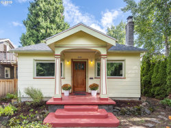 Photo of 2428 SE LADD AVE, Portland, OR 97214 (MLS # 19544843)