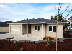 Photo of 1560 Red Hills, Cottage Grove, OR 97424 (MLS # 19582069)
