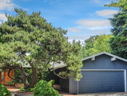 Photo of 3220 SW GALE AVE, Portland, OR 97239 (MLS # 19630397)