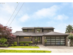 Photo of 6534 SW VIEW POINT TER, Portland, OR 97239 (MLS # 19666974)