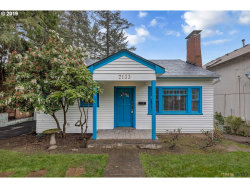 Photo of 7133 SW 35TH AVE, Portland, OR 97219 (MLS # 19669359)