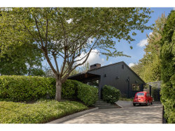 Photo of 3641 SW TUNNELWOOD ST, Portland, OR 97221 (MLS # 19679428)