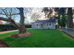 Photo of 10117 SE 70TH AVE, Milwaukie, OR 97222 (MLS # 20024725)
