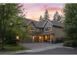 Photo of 19245 MEGLY CT, Lake Oswego, OR 97035 (MLS # 20068147)