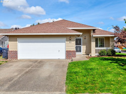 Photo of 1401 MEADOWLAWN PL, Molalla, OR 97038 (MLS # 20071079)