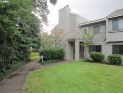 Photo of 2062 LAKE ISLE DR, Eugene, OR 97401 (MLS # 20096991)